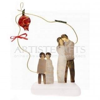 Οικογένεια Σε Περίγραμμα Με Ρόδι Και Ευχή Αγάπη, δώρα για γονείς, δώρα για οικογένεια, δώρα για ζευγάρι με παιδιά, δώρα για κουμπάρους, δώρα για νέο σπίτι, δώρα για γονείς, γονείς με παιδιά, γούρια με ρόδι, χριστουγεννιάτικα δώρα, πρωτοχρονιάτικα δώρα, ιδέες για γούρια, πρωτότυπα γούρια, δώρα για επέτειο, δώρα για γυναίκα, δώρα για άντρα,