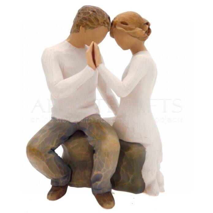 Ζευγάρι Αντικριστά Καθισμένο με Ενωμένα Χέρια, δώρα για ζευγάρι, δώρα γάμου, ιδέες δώρων για επέτειο, δώρα γάμου, επετειακά δώρα, προσωποποιημένα δώρα, αγκαλιά, αγκαλιασμένο ζευγάρι, δώρα για γονείς, ιδέες δώρων για ζευγάρι,