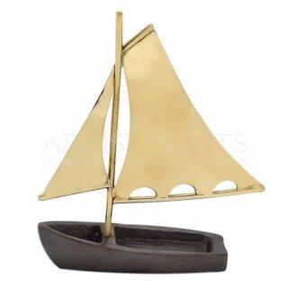 Καράβι Οξειδωμένο Με Διπλά Πανιά