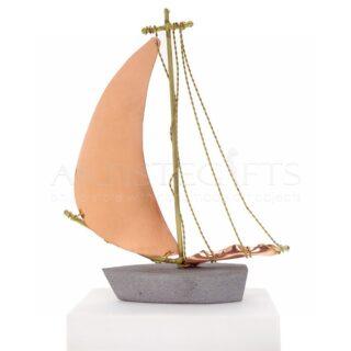 Χειροποίητο Καράβι Με Διπλωμένο Πανί σε Μάρμαρο, διακοσμητικά καράβια, ιστιοφόρο, χειροποίητα καράβια, καράβια, καράβι, ναυτικά δώρα, επιχειρηματικά δώρα, δώρα για εγκαίνια, αναμνηστικά δώρα, μοντέρνα καράβι, ορειχάλκινα καράβι, διακοσμητικά, δώρα ευχαριστίας, ιστιοφόρο, ιστιοφόρα, μοντέρνα καράβια, συμβολικά δώρα, ελληνικά δώρα