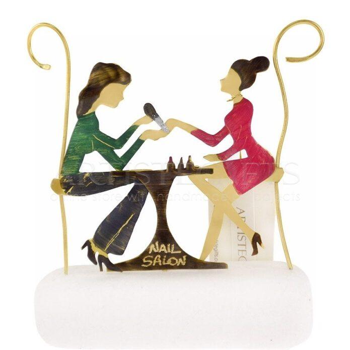 Μανικιουρίστ, δώρα για μανικιουρ, προϊόντα για νύχια, μανικιουρ πεντικιουρ, Νail salon, αισθητική, περιποίηση, δώρα για γυναίκες, δώρα για νυχού, περιποίηση νυχιών, φροντίδα νυχίων, προιόντα για νύχια