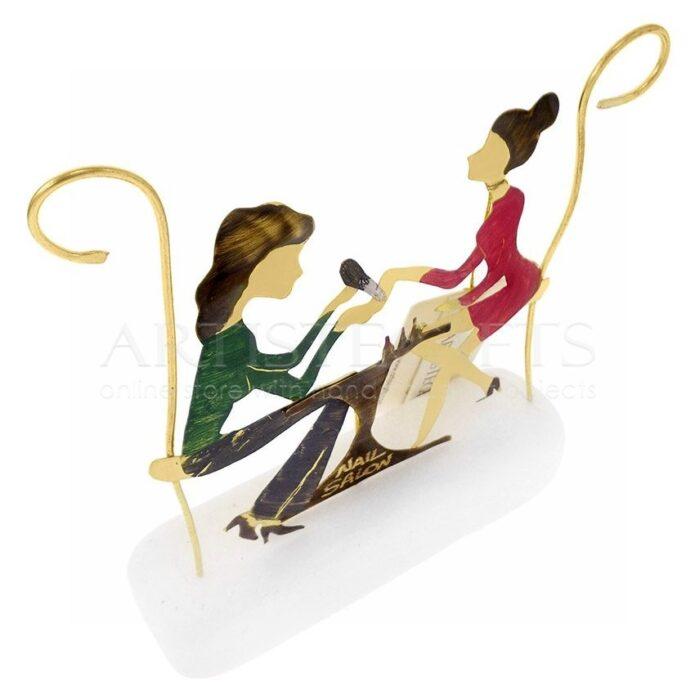 Μανικιουρίστ, δώρα για μανικιουρ, προϊόντα για νύχια, μανικιουρ πεντικιουρ, Νail salon, αισθητική, περιποίηση, δώρα για γυναίκες, δώρα για νυχού, περιποίηση νυχιών, φροντίδα νυχίων, προιόντα για νύχια, 3