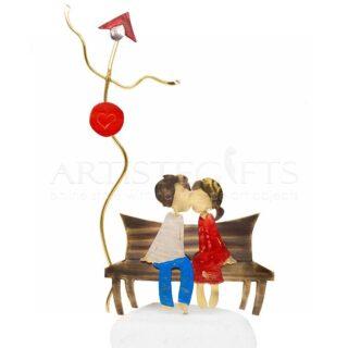 δώρα για ερωτευμένους, δώρα για επέτειο, δώρα για νέο ζευγάρι, ζευγάρια, πρωτότυπα δώρα για ζευγάρια, δώρα για γιορτή, ζευγάρι σε παγκάκι, προσωποποιημένα δώρα για ζευγάρια, δώρα με μήνυμα, δώρα με χάραξη, δώρα γάμου, δώρα αρραβώνα