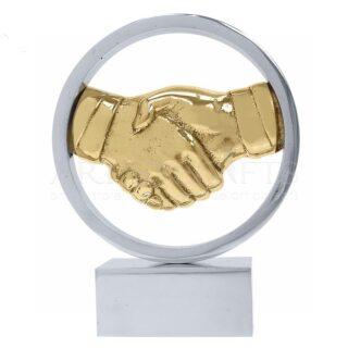 Γλυπτό Χέρια, Χειραψία Μέσα Σε Κύκλο, βραβεία, βραβείο, χέρια, ιδέες δώρων, γλυπτά, γλυπτά με χέρια, χειραψία, συμβολικά δώρα, χειραψία, συμφωνία, συνεργασία, επειχειρηματικά δώρα, διαφημιστικά δώρα, εταιρικά δώρα, δώρα ευχαριστίας, δώρα για διευθυντή, δώρα για άντρα, awards, award, business gifts, corporate gifts, δώρα με λογοτύπησή, προσωποποιημένα δώρα,