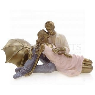Ζευγάρι Που Φιλιέται Κάτω Από Χρυσή Ομπρέλα, δώρα γάμου| δώρα αρραβώνα| δώρα για επέτειο| επέτειο σχέσης| zevgari| zevgaria| epeteio| δώρα γάμου| δώρα για νέο σπίτι| δώρα για ερωτευμένους| δώρα επετειακά|, ζευγάρι που φιλιέται, φιλί, φιλιά, ομπρελα, δώρα αγάπης